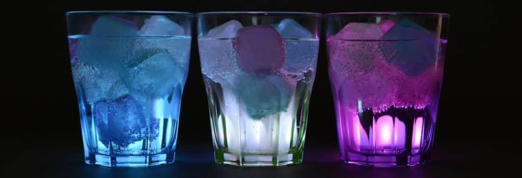glasses-ice-cubes-illuminated-drink-162475